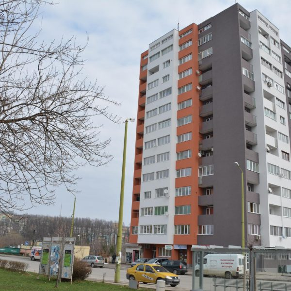 Саниране на блок в Габрово